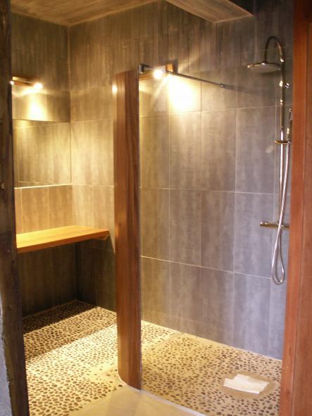 loubentenac.fr/web_images/salle_de_bain_plage__4_.jpg